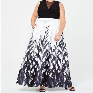 Black and white illusion printed gown